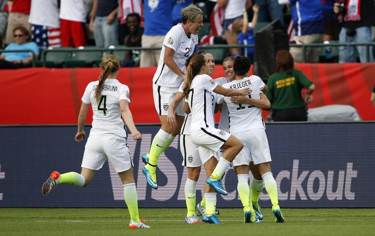 US soccer players celebrating
