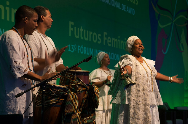 Mae Jaceira performs at the AWID forum