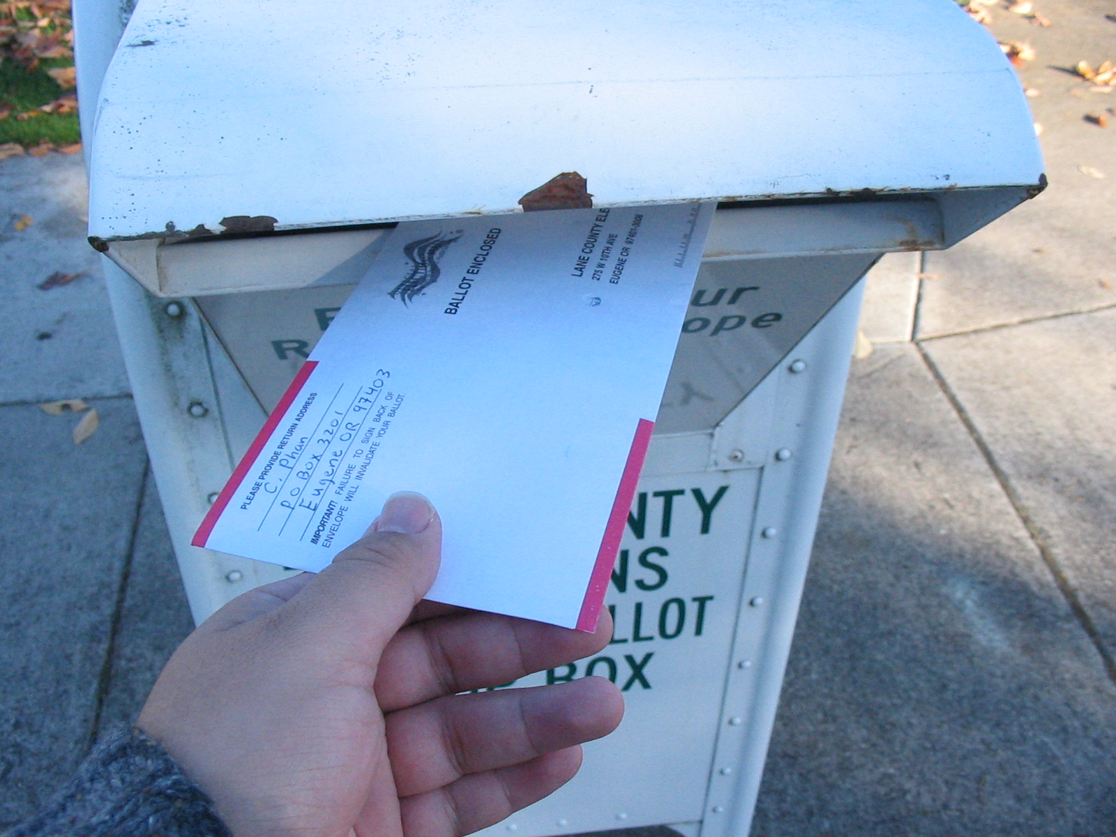 Voting by mail in Oregon.